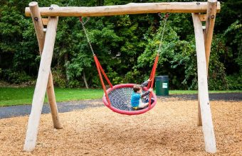 Natural Playgrounds_feature