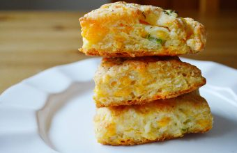 cheddar biscuits_feature