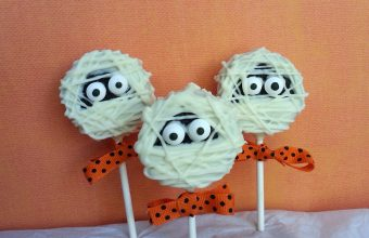 Halloween-Treats-Mummy-Oreo-Pops-7