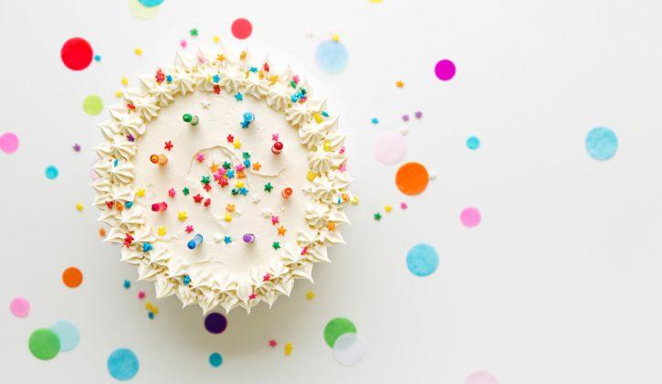 Decorating homemade birthday cakes
