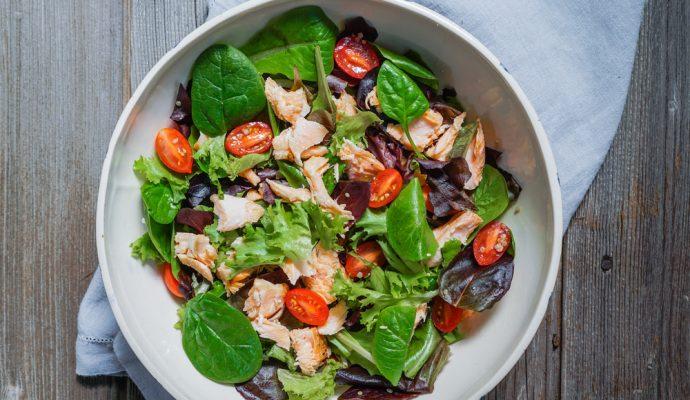 recipe_organic_greens_with_roasted_salmon