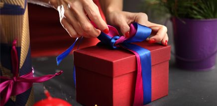 wrapping_a_gift_436_x_213