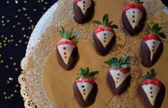 tuxedo_strawberries_for_partysavvy_blog_edited1