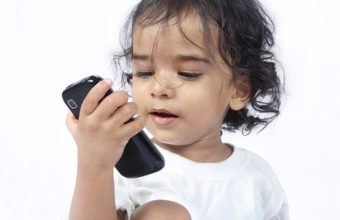 how_your_cell_phone_is_harming_yuor_child
