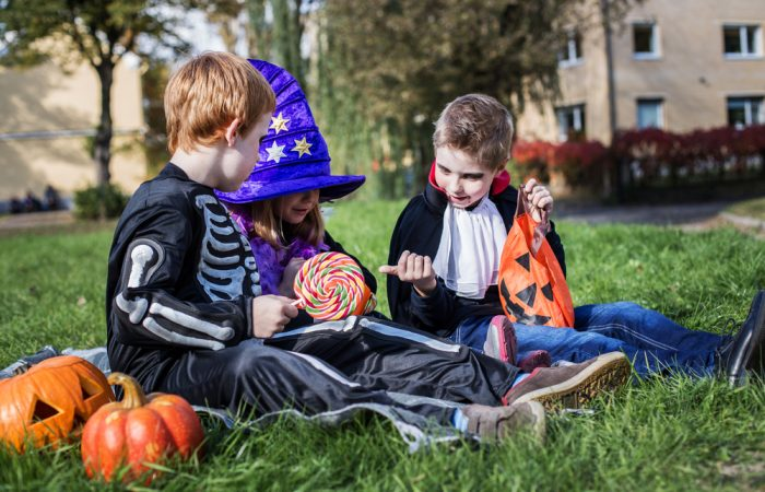 10 Tips to Survive the Halloween Sugar Rush