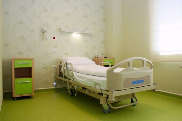 empty_hosptial_bed_0