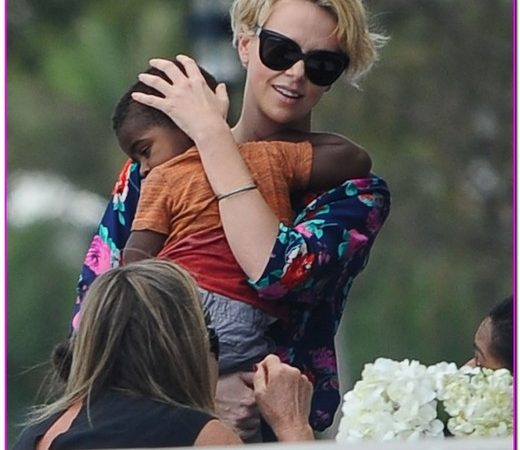 Charlize Theron & Son Out For Lunch In Sydney