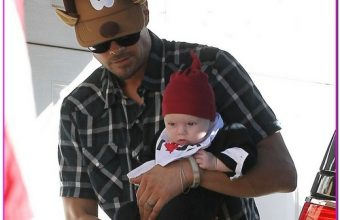 Fergie & Josh Take Axl To Her Parents House For Christmas