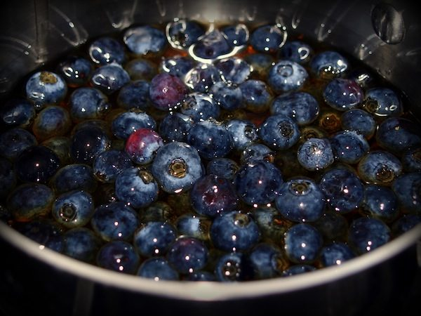Blueberry-Syrup-Pot-Life-in-Pleasantville