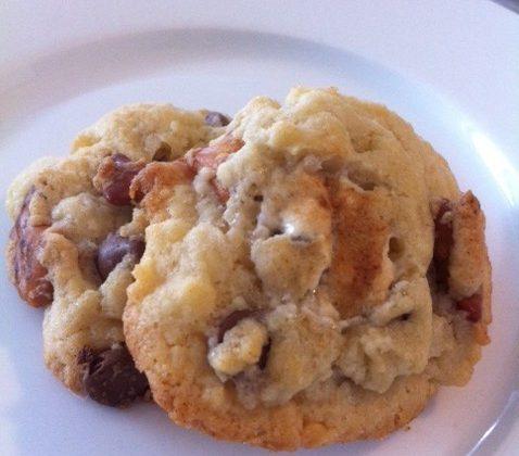 chocolate-chip-pretzel-marshmallow-cookies-e1364758523914