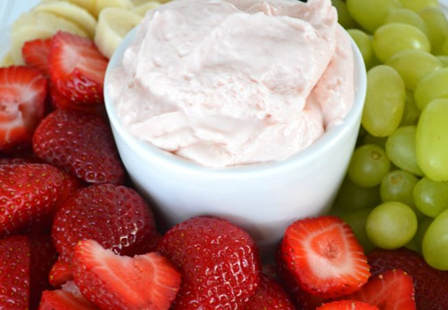 Strawberry-Fluff-Fruit-Dip-2A-Pretty-Life