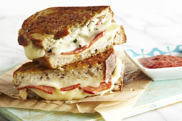 Pizza-Grilled-Cheese-40920-1