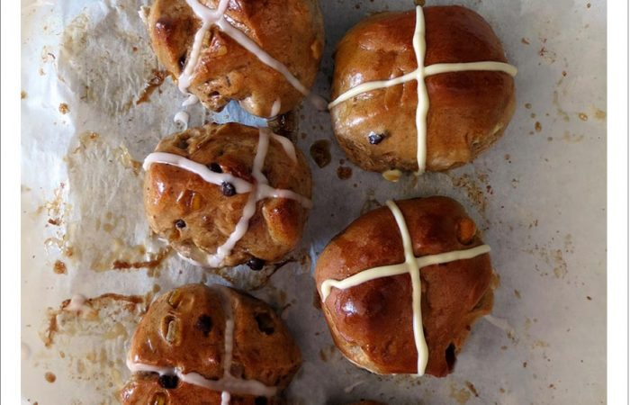 hotcrossbuns_veganandtraditional