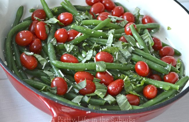 Sauteed-Green-Beans-with-Basil-Fresh-Tomatoes-2A-Pretty-Life