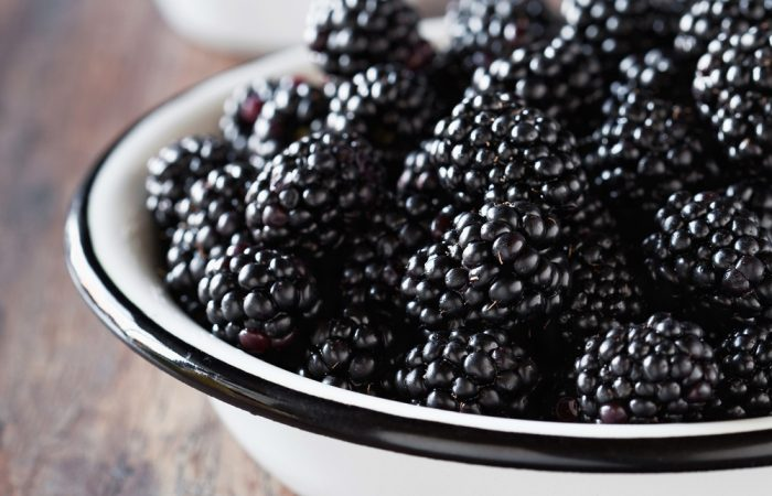 recipegeek-food_talk-superfood_spotlight_blackberries