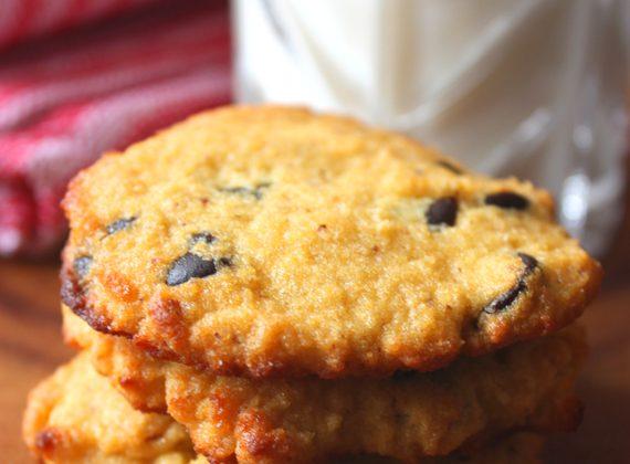 Coconut-Flour-Chocolate-Chip-Cookies_main