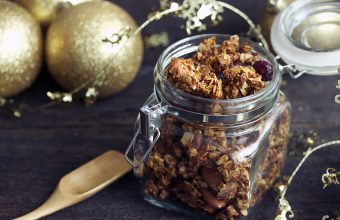 recipegeek-food_talk-edible_gift_giving_amp_ginger_cranberry_granola