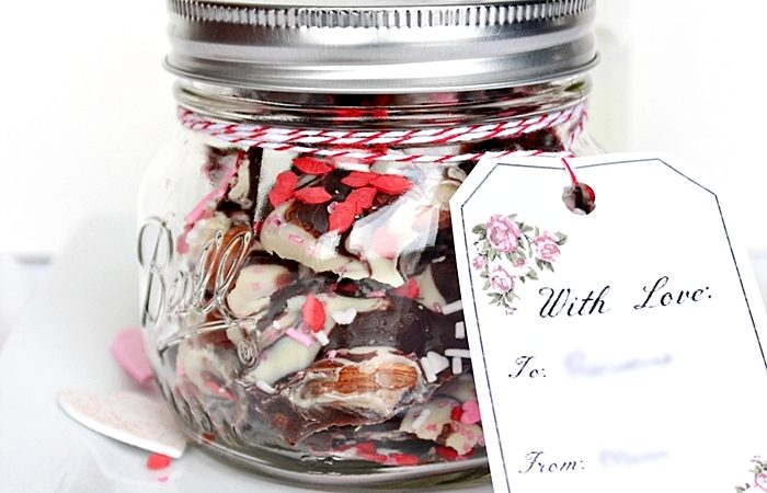 mason-jar-valentine-gift-chocolate-bark4