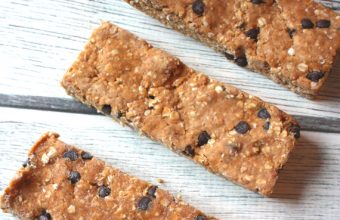 Peanut-Butter-Chocolate-Chip-Protein-Bars_main-copy