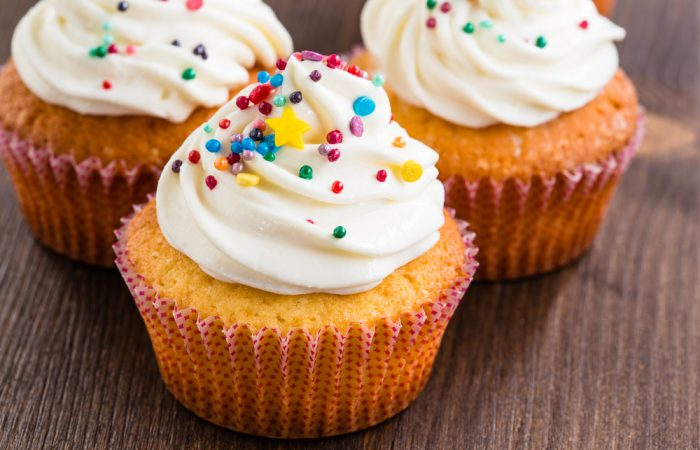recipe_lemony_cupcakes_with_sprinkles