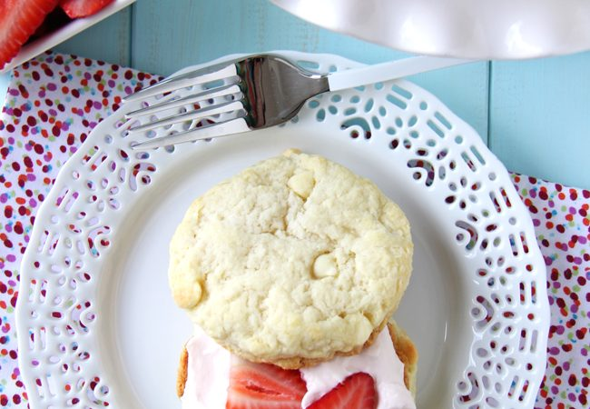 Strawberry-Shortcakes-with-Strawberry-Fluff-Filling-3