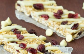 No-Bake-White-Chocolate-Cranberry-Granola-Bars-2-of-6-610x915