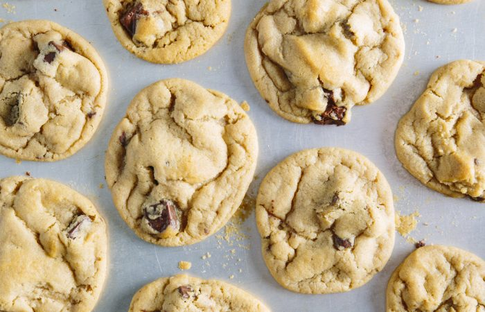 recipegeek-food_talk-7_kitchen_tools_you_need_to_make_the_ultimate_chocolate_chip_cookie