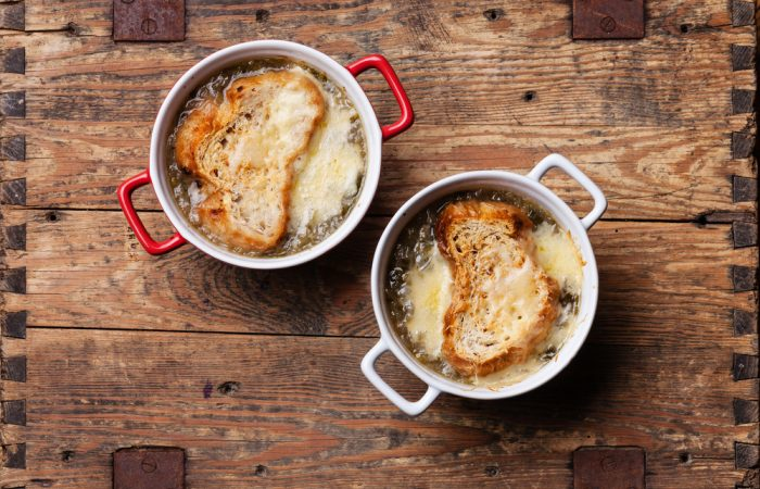 recipegeek-recipes_menus-how_to_make_french_onion_soup_0