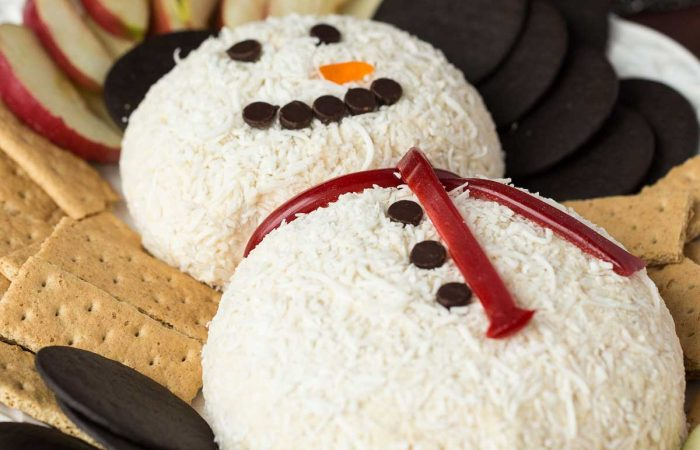 Snowman-White-Chocolate-Toffee-Cheese-Ball-www.thereciperebel.com-1-of-5