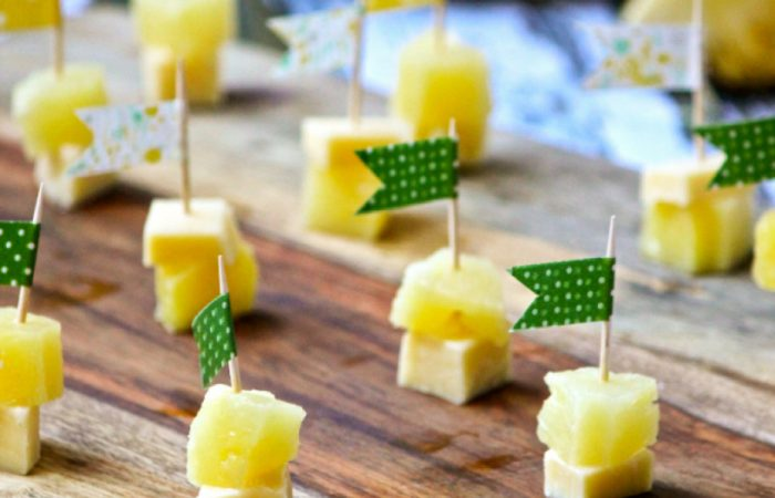 Cheese-and-Pineapple-910x610