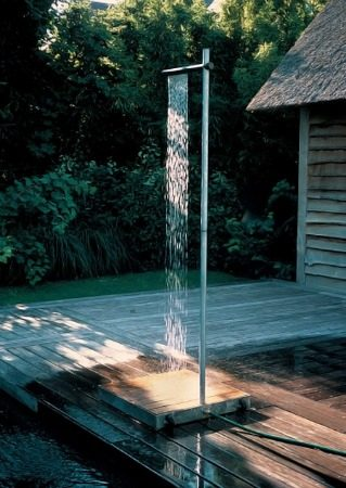 Modern-outdoor-shower