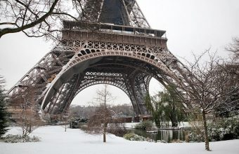 Eiffle-Tower-winter