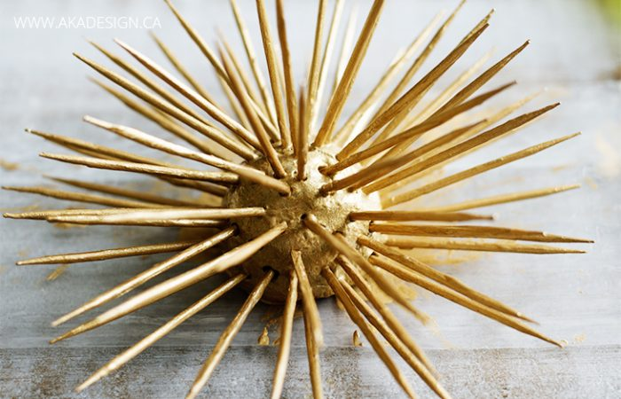 painted-gold-spike-decor-mess