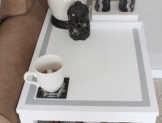 chalky-paint-stripe-table-DIY