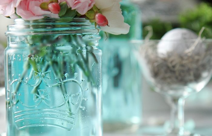 spring-mason-jar-tablescape-decor