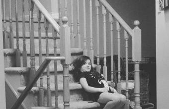 freya-on-stairs-624x735