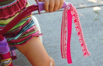 make-your-own-bike-streamers1