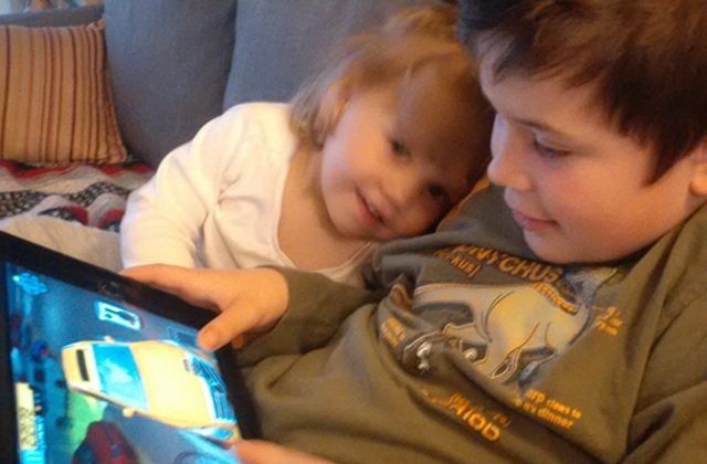 are_my_kids_tech_addicts