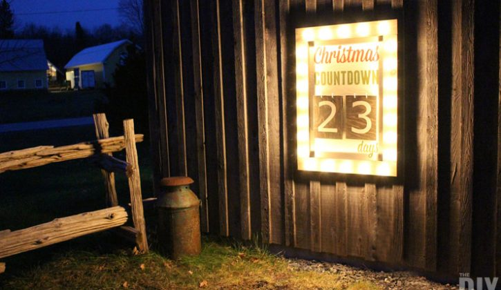 Wall-Mounted-Outdoor-Christmas-Countdown-Marquee-Sign