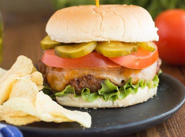 The-Best-Burgers-www.thereciperebel.com-2-of-9-610x610