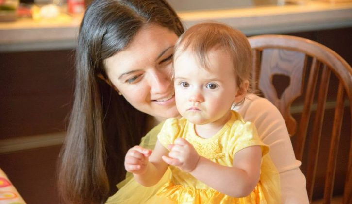 Siennas-first-birthday-party-mom-and-daughter