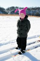Child_on_cross_country_skis