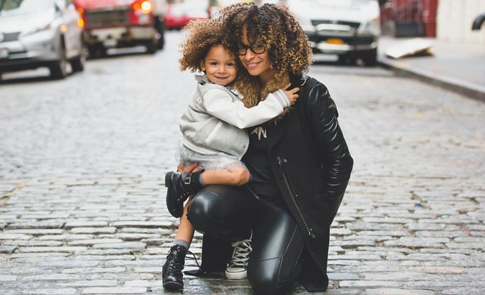 5 Things Effortlessly Stylish Moms Do Differently
